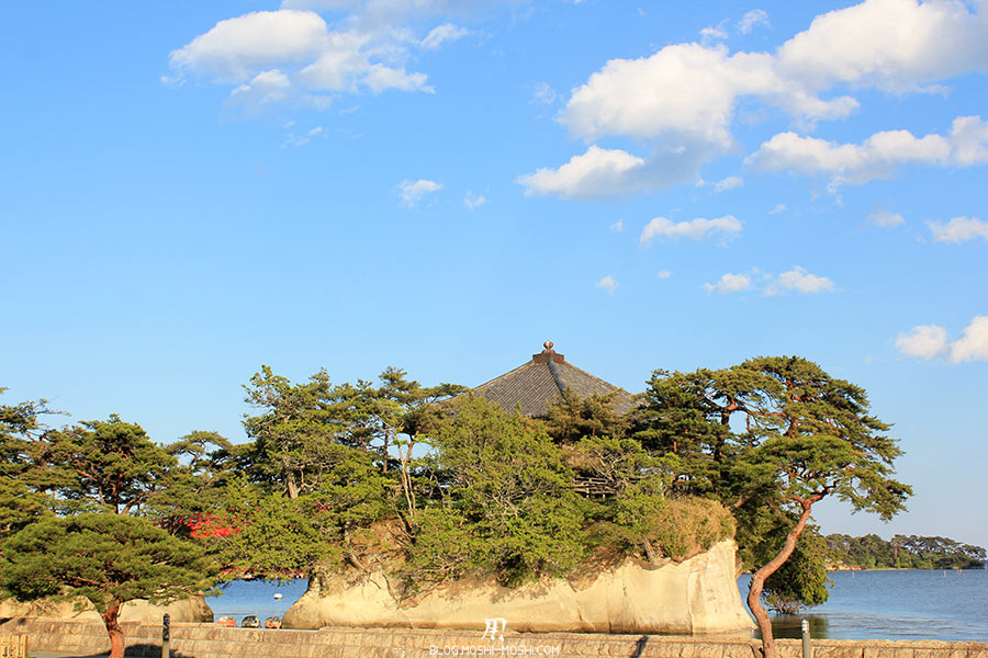 matsushima-tohoku-nihon-sankei-temple-godaido-hondo-sur-son-rocher