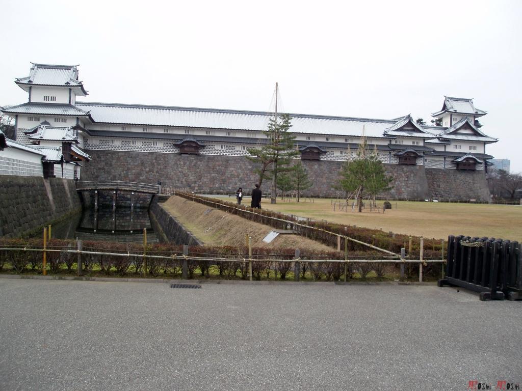 chateau-kanazawa-hiver-cote-entier