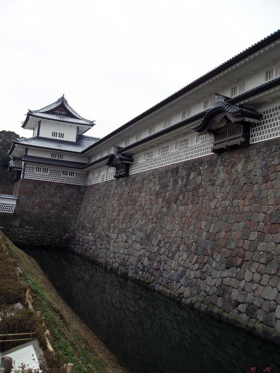 chateau-kanazawa-hiver-douve-cote