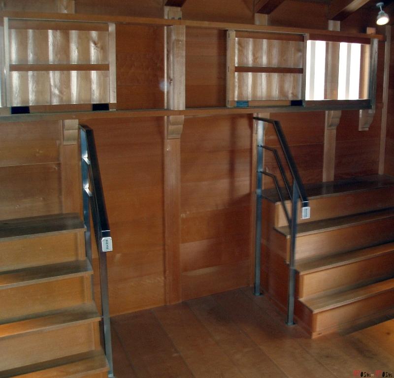 chateau-kanazawa-hiver-interieur-escalier-acces-fenetre