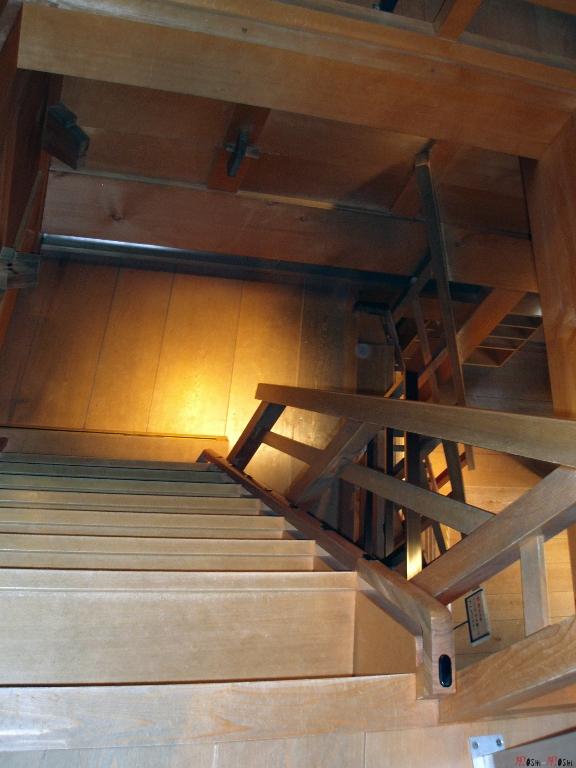 chateau-kanazawa-hiver-interieur-escalier