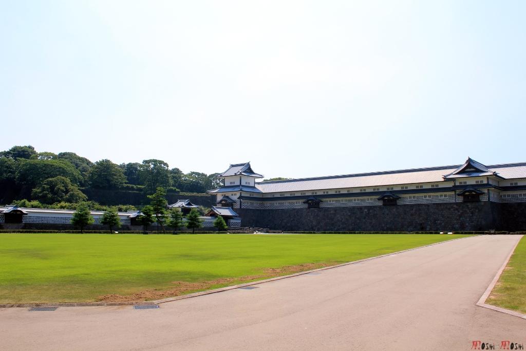 chateau-kanazawa-ete-cour-exterieure