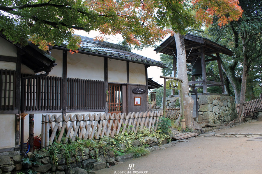 chateau-hikone-batiment-gong
