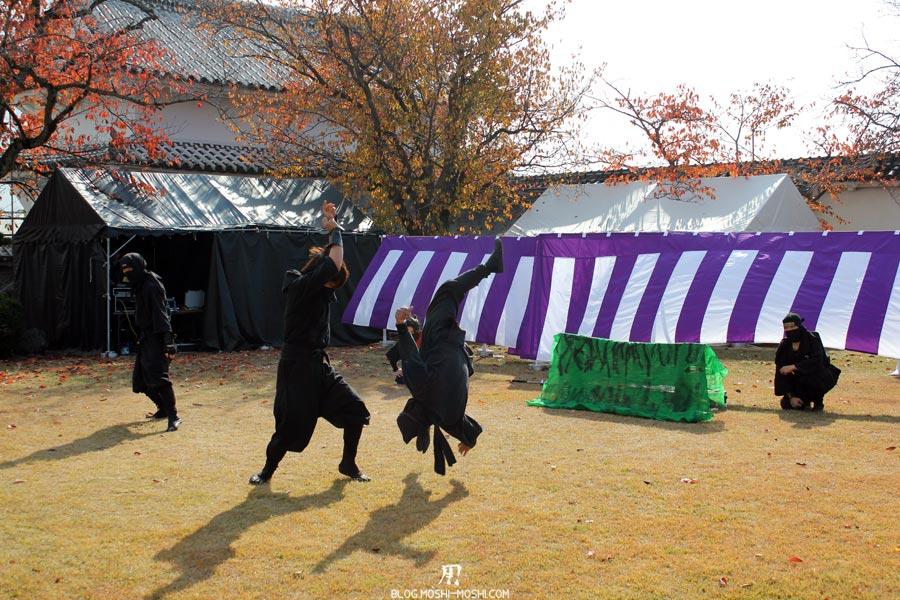 himeji-chateau-spectacle-ninja-saut-voltige