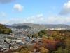 himeji-chateau-interieur-vue-ville-maisons-traditionnelles-montagnes