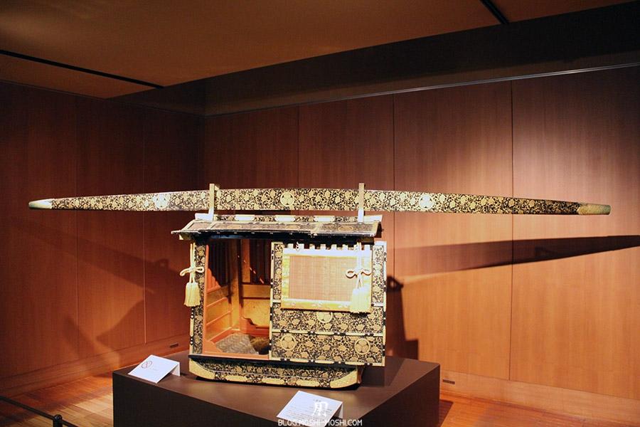 chateau-nagoya-aichi-etage-reconstitution-epoque-edo-transport-porteurs