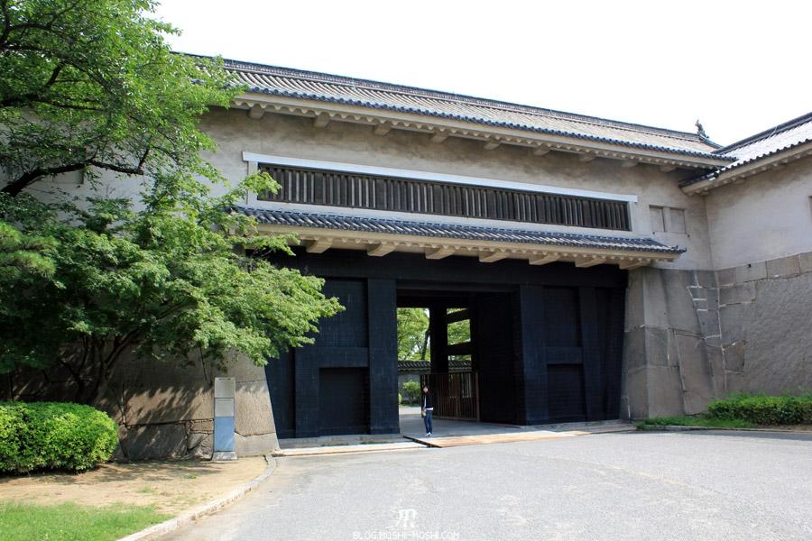 osaka-chateau-entree-deuxieme-porte