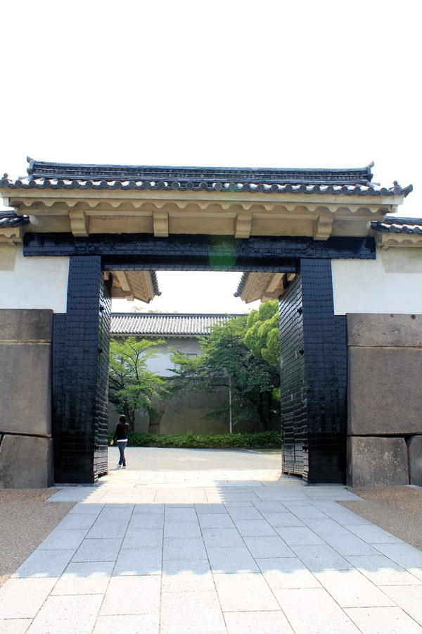 osaka-chateau-entree-premiere-porte