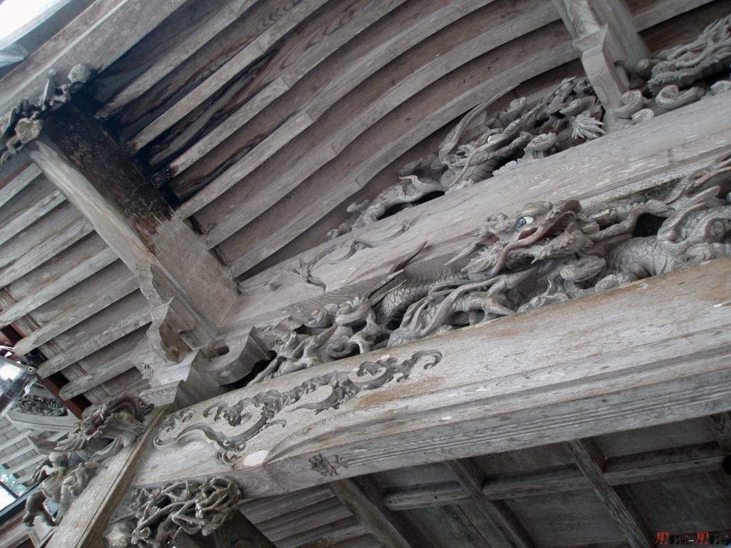 eihei-ji-bois-sculpte-2