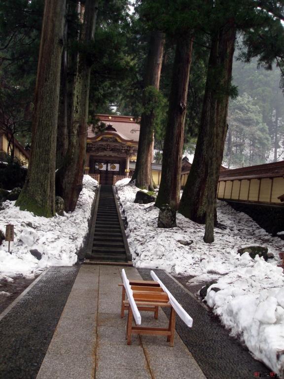 eihei-ji-porteur