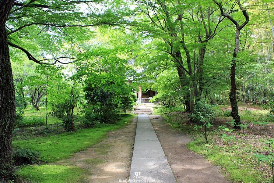 hiraizumi-patrimoine-unesco-chuson-ji-allee-vers-autel