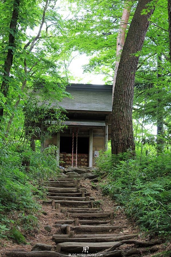 hiraizumi-patrimoine-unesco-chuson-ji-autel-perche