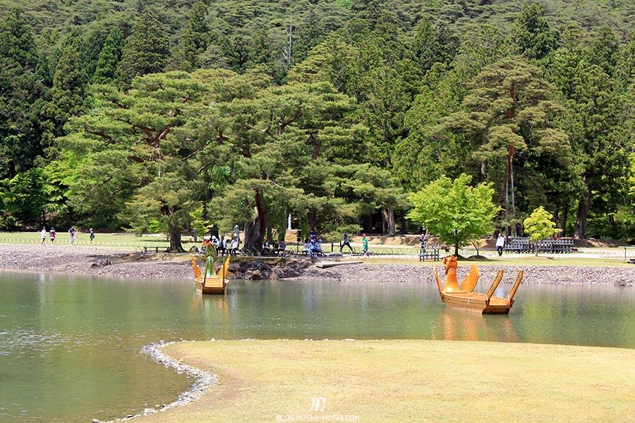 hiraizumi-patrimoine-unesco-motsu-ji-barques-dragons-dos
