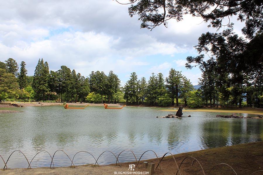 hiraizumi-patrimoine-unesco-motsu-ji-entree-vue-lac-barques