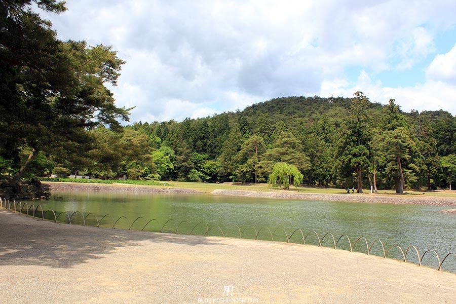 hiraizumi-patrimoine-unesco-motsu-ji-entree-vue-lac-foret