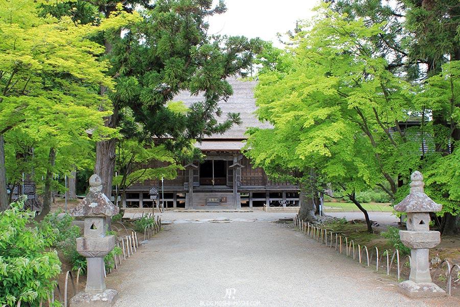 hiraizumi-patrimoine-unesco-motsu-ji-lanterne-jogyodo-hall