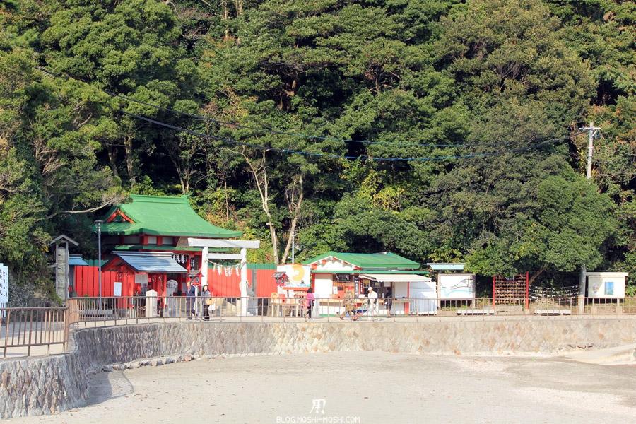 ise-meoto-iwa-rochers-maries-plage-et-chemin-sanctuaire-Okitama