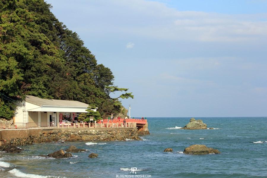 ise-meoto-iwa-rochers-maries-vers-sanctuaire-futami-okitama