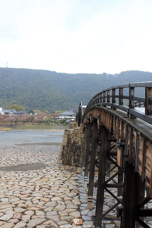 iwakuni-yamaguchi-pont-kintai-gros-plan-flanc-gauche