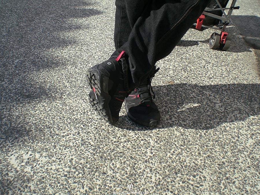 japon-vu-par-enfant-4-ans-papa-pieds