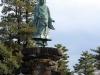 kanazawa-kenrokuen-saison-momiji-statue-Maeda