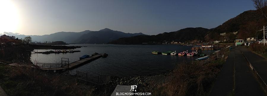 repos-lac-kawaguchiko-berge-lac-panorama
