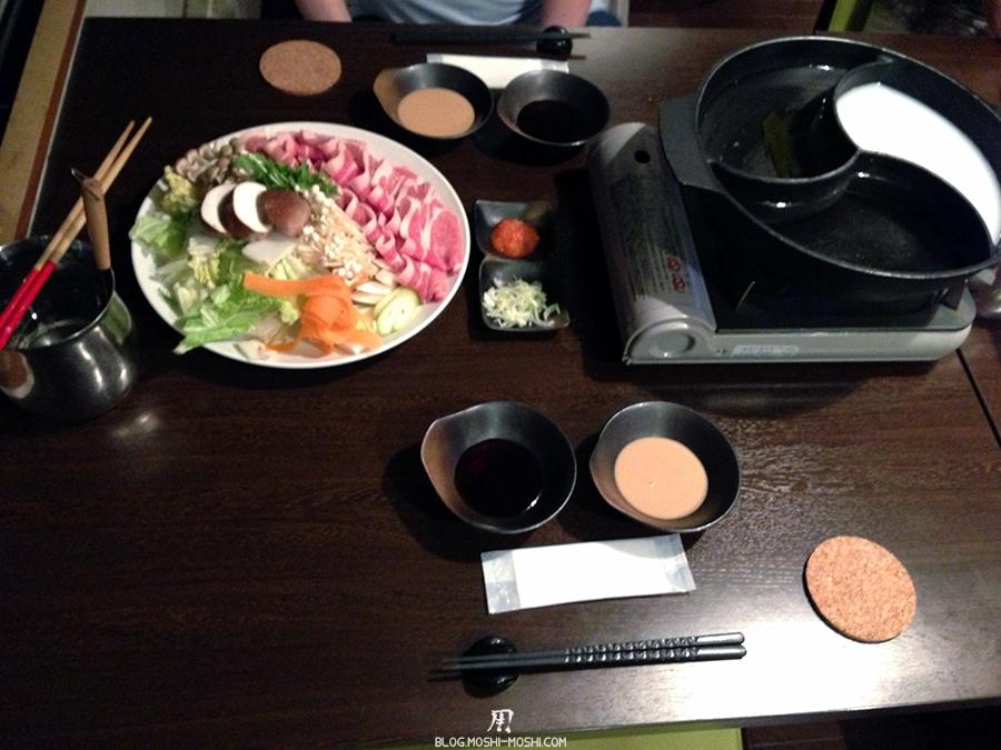 repos-lac-kawaguchiko-hotel-breezbay-repas-sukiyaki
