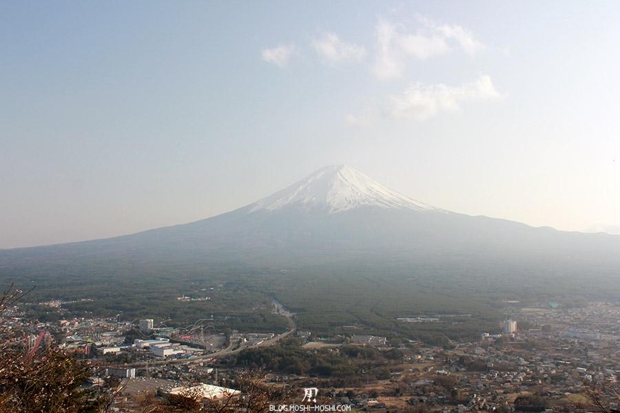 repos-lac-kawaguchiko-telepherique-mont-kachi-kachi-mont-fuji-moins-brumeux