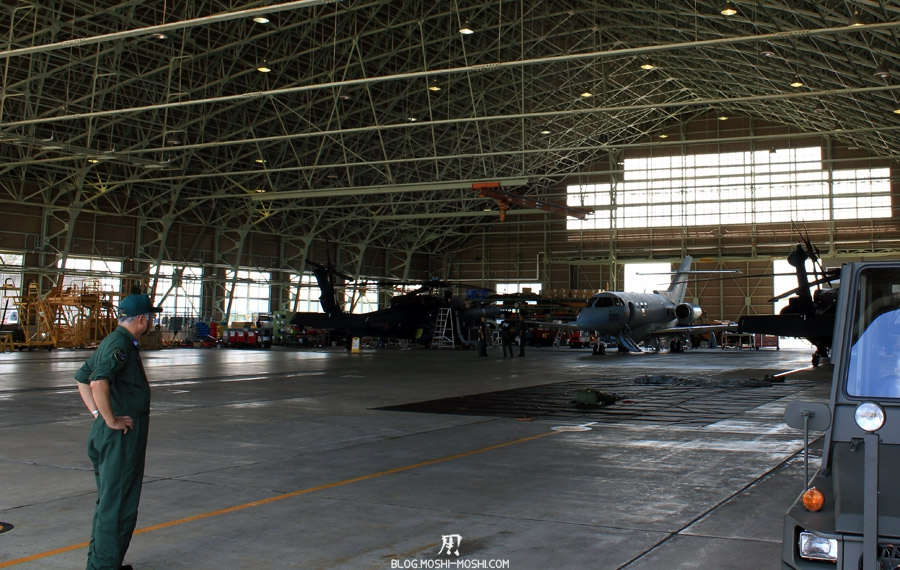 base-militaire-japon-komatsu-air-rescue-force-hangar
