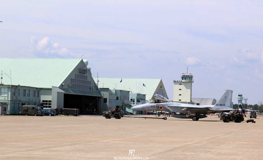 base-militaire-japon-komatsu-air-rescue-force-preparation-avion-chasse-j15j