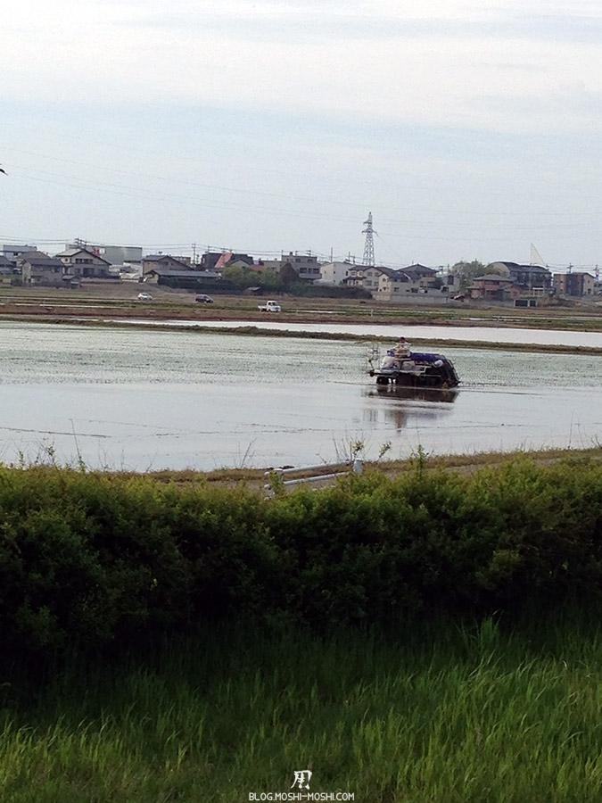 komatsu-parc-kibagata-lac-kiba-machine-planter-riz