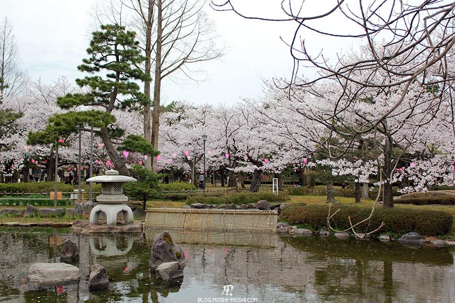 komatsu-parc-rojyou-matsuri-saison-sakura-etang-cerisiers