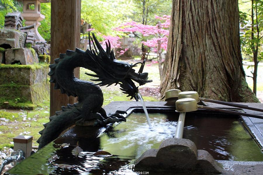 komatsu-temple-natadera-dragon-chozuya