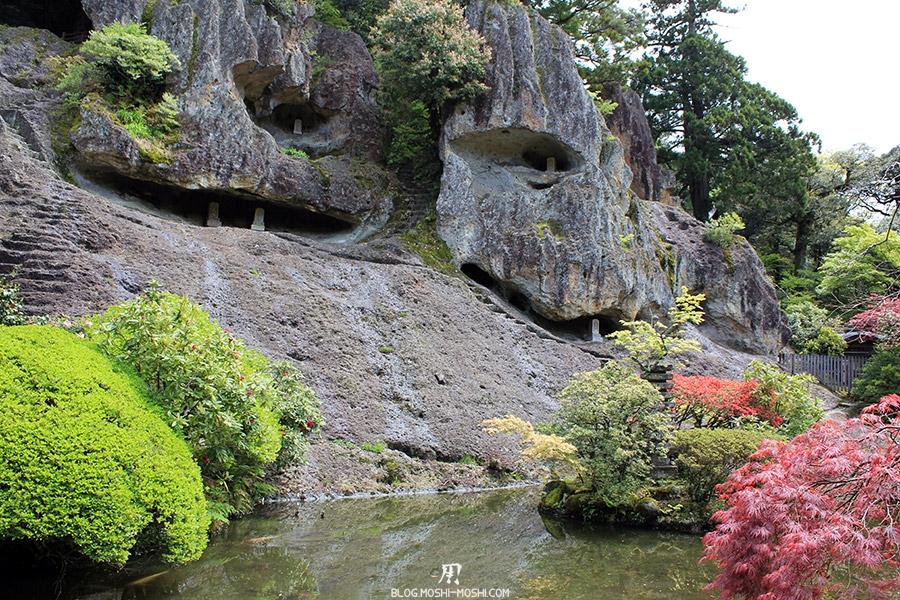 komatsu-temple-natadera-falaises-gros-plan