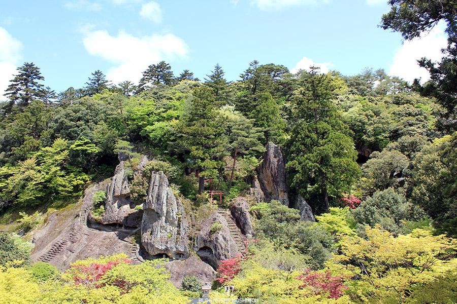 komatsu-temple-natadera-falaises-vue-face-hauteurs