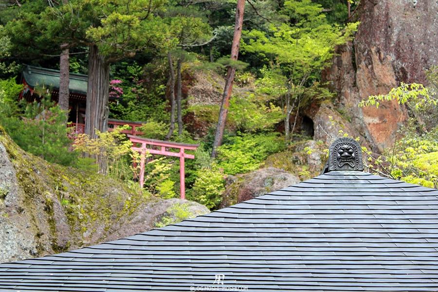 komatsu-temple-natadera-zoom-toit-face-marrante