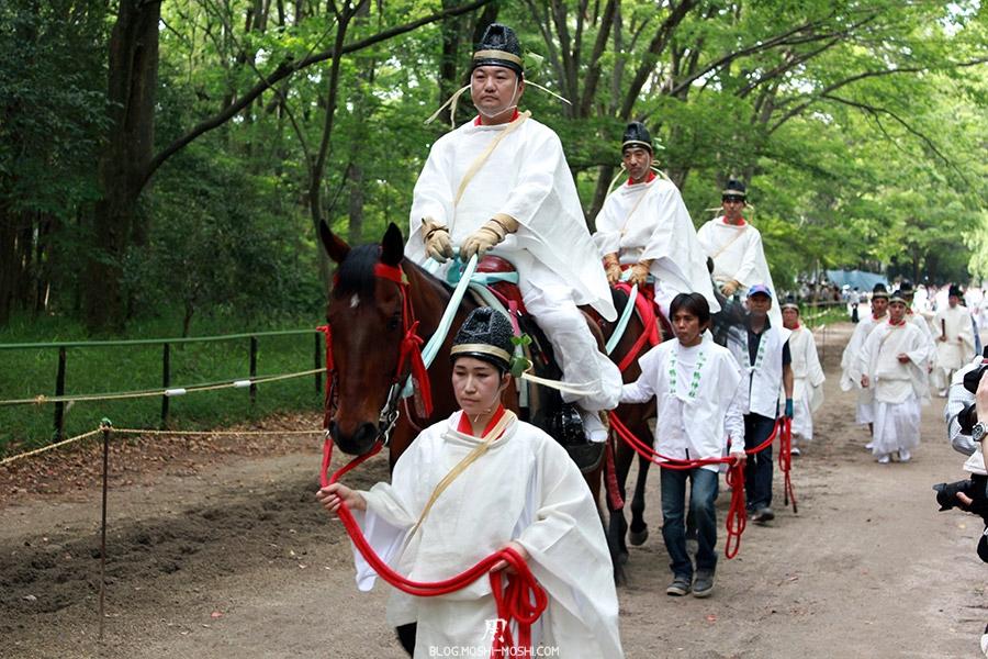 kyoto-aoi-matsuri-sanctuaire-shimogamo-jinja-mini-defile-participant