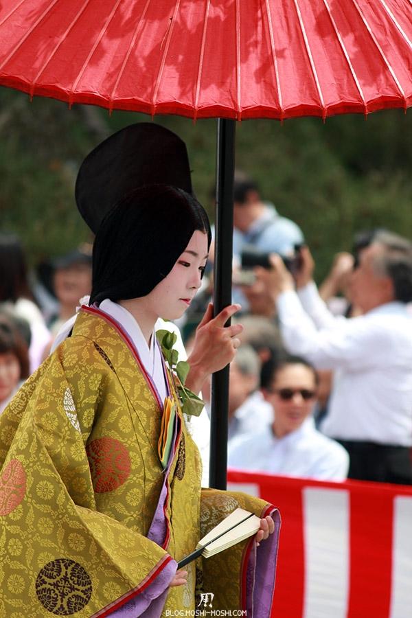 kyoto-aoi-matsuri-palais-imperial-defile-femme-nyoju-furyugasa-gros-plan