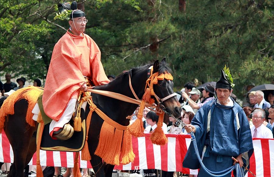 kyoto-aoi-matsuri-palais-imperial-ecuyer-fait-la-gueule