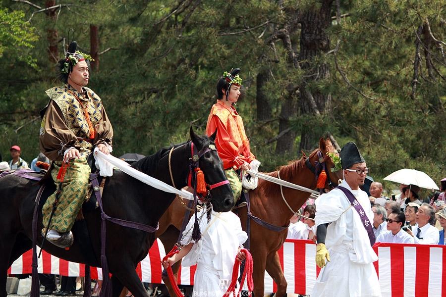kyoto-aoi-matsuri-palais-imperial-entree-chevaux