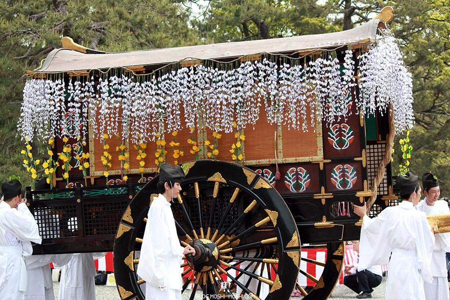 kyoto-aoi-matsuri-palais-imperial-magnifique-charette-sacree-autel