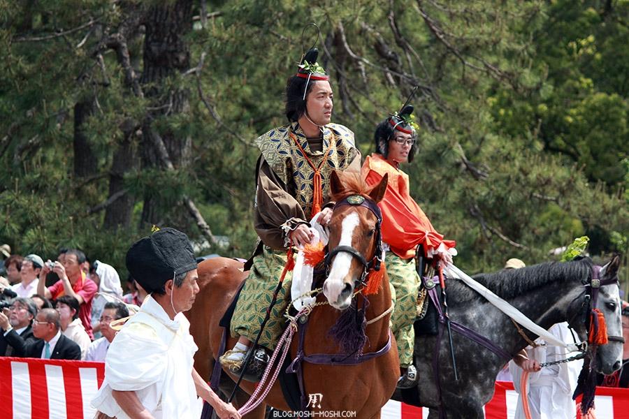 kyoto-aoi-matsuri-palais-imperial-regard-au-loin-cheval