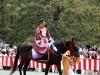 kyoto-aoi-matsuri-palais-imperial-cavaliers-kimono-decors-magnifique