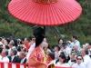 kyoto-aoi-matsuri-palais-imperial-defile-femme-nyoju-furyugasa-ombrelle-japonaise-fleuri