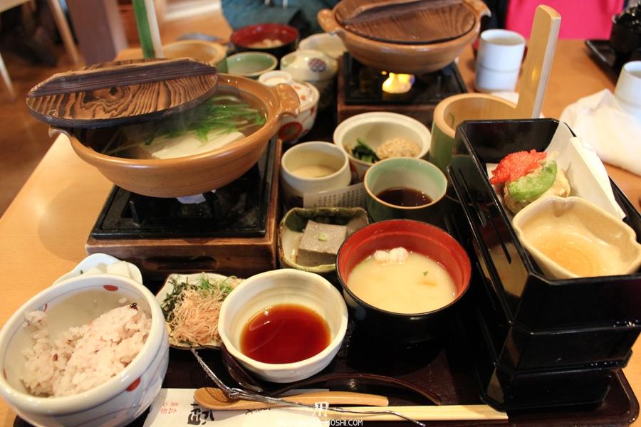 arashiyama-kyoto-saison-momiji-restaurant-tofu-saga-tofu-ine-menu-nabe
