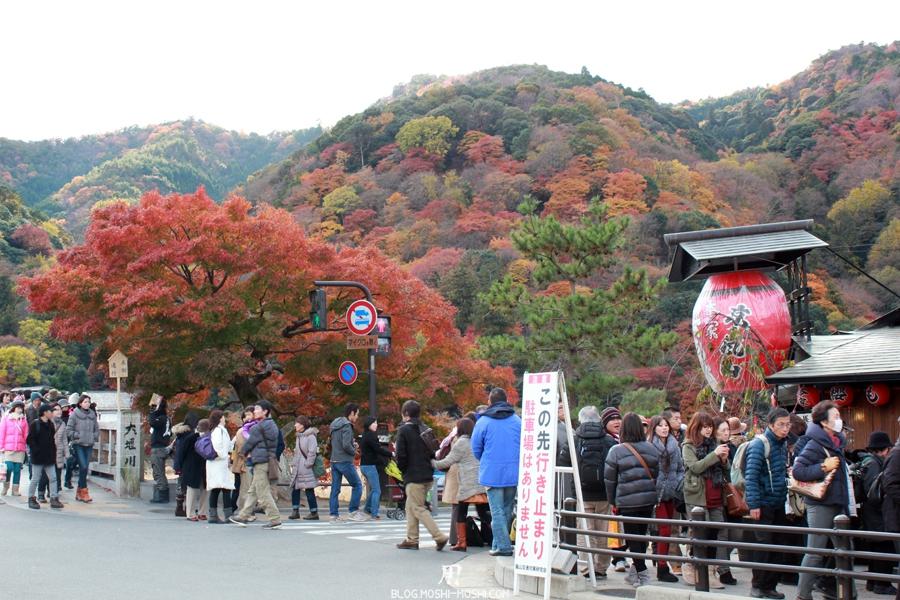 Arashiyama-saison-momiji-rue-foule-monde-irrespirable-ca-avance-pas