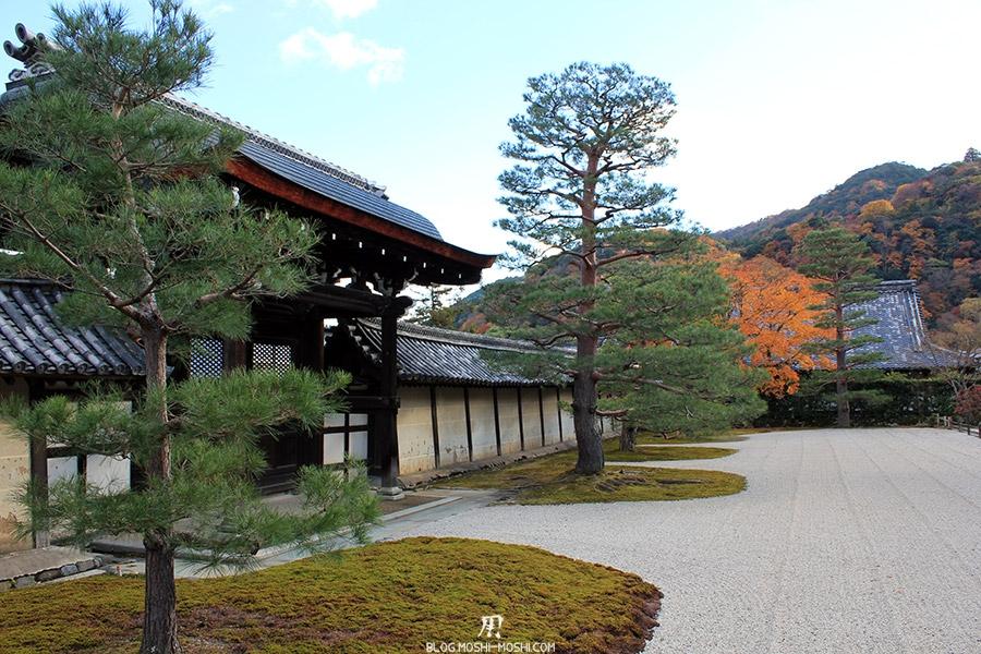 temple-tenryu-ji-kyoto-arashiyama-momiji-jardin-zen-sable