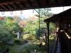 temple-tenryu-ji-kyoto-arashiyama-momiji-jardin-interieur-long-couloir-couvert