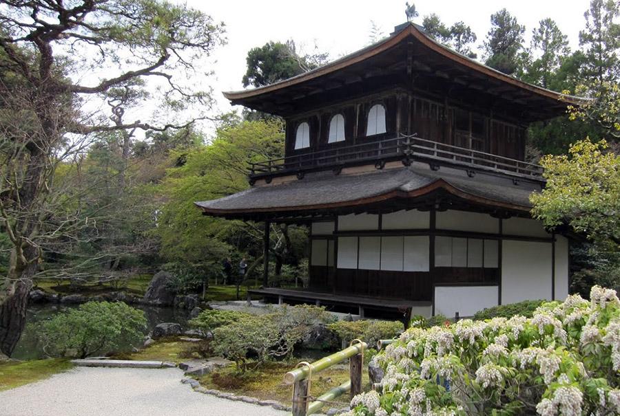 ginkaku-ji-temple-argent-kyoto-saison-sakura-pavillon-argent-face
