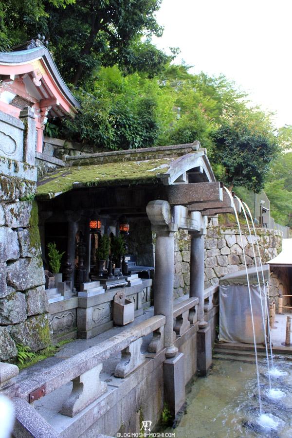 kiyomizu-dera-kyoto-chute-otowa-no-taki-vue-cote